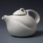 Solo Tea Pot in White